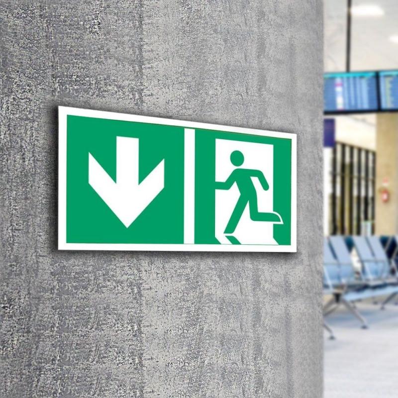 Znak LEVI Kierunek do wyjścia ewakuacyjnego E01-DD 300x150 PF