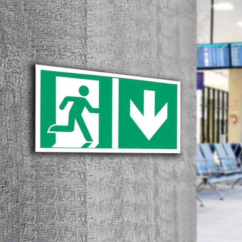 Znak LEVI Kierunek do wyjścia ewakuacyjnego E02-DD 300x150 PF